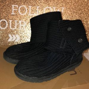2cf0208c581 Kids Cardy Uggs on Poshmark